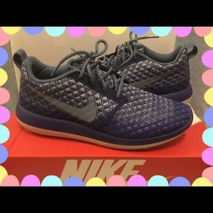 NIKE ROSHE TWO FLYKNIT 365 BLUE SHOES / 8.5 US. 🌟